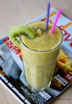 frullato kiwi mela e succo d'arancia
