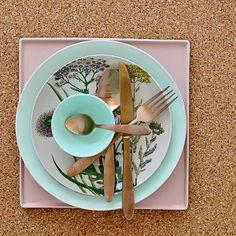 #Raumidee des Tages: Kupfernes Schmuckstück für den Esstisch ❤ #Kupfer ► https://www.amazon.de/Bloomingville-Besteck-Kupfer-Finish-4-teilig/dp/B014ALINF8/?_encoding=UTF8&camp=1638&creative=6742&keywords=kupfer&linkCode=ur2&qid=1479311061&s=kitchen&site-redirect=de&sr=1-9&tag=raumideen-21