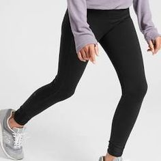 Best Fleece-Lined Leggings - Fleece Leggings to Live In All Winter Fleece Leggings, Winter Leggings, Best Leggings, Thing 1 Thing 2, Who What Wear, Stay Warm, Ugg Shoes, Cold Weather, Uggs