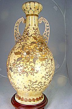 Monumental Japanese Meiji Satsuma Vase