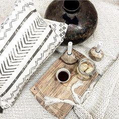 Älskar detaljer  duktiga @fridagrahninterior styling o foto för @homestylegoteborg #styling #staging #inspiration #stilleben #interiordesign