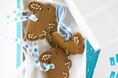 Let the kids help out in the kitchen by decorating these very cute bunny biscuits.