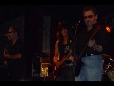 Damaged . Blue Öyster Cult pics at BB king Nyc June 6 2009