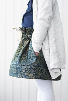 Sew a skirt for your little one! Sizes: newborn to approx. 11 years. Pattern from Threads by Caroline.
