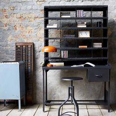 Industrial metal office desk - Computer desk at Tikamoon