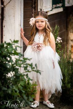 Φόρεμα βάπτισης Vinte Li 2901 μαζί με κορδέλα για τα μαλλιά, annassecret Girls Dresses, Flower Girl Dresses, Spring Summer, Wedding Dresses, Fashion, Dresses Of Girls, Bride Dresses, Moda, Bridal Gowns