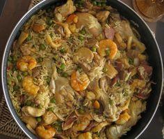 Le riz à Valencienne est une variante portugaise de la paella espagnole, un plat aussi populaire au Portugal. N'hésitez pas à essayer!