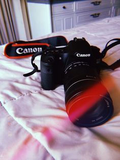 Aesthetic Photo, Aesthetic Pictures, Cannon Camera, Camera Wallpaper, Girls With Cameras, Fake Photo, After Life, Photos Tumblr, Foto Art