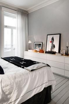 53 Brilliant Bedroom Storage Design Ideas https://www.futuristarchitecture.com/15034-bedroom-storage.html #HomeDecorBedrooms