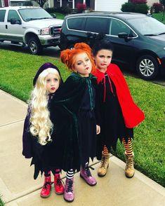 Little girls witch costume, hocus pocus costume, best kid costume Little Girl Witch Costume, Cute Witch Costume, Little Girl Halloween Costumes, Sister Costumes, Kids Costumes Girls, Halloween Outfits, Halloween Kids, Halloween Table, Halloween 2020