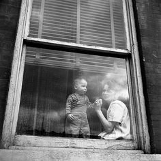 1955 © Vivian Maier/Maloof Collection More