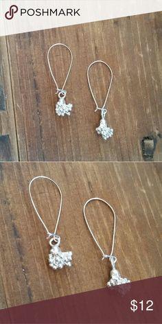 Sterling silver cluster dangle earrings New! Brand new, never worn. Handcrafted by Artemis Jewelcraft using .998 Hill Tribe Silver with .925 Sterling Silver Ear Hooks. Earrings measure 1.25 inches long. Artemis Jewelcraft  Jewelry Earrings