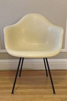 Original Herman Miller Fiberglass Shell Chair Inhabitot Petey