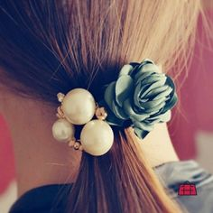 Your perfect hair deserve the perfect jewelry and what could be better than this Lovely Pearl Rose Hairtie? Make it yours: http://ift.tt/2c85dnB #YouCanNeverHaveTooMany  #Accessoryhut #gloves #instafashion #hairaccessories #hairchain #sale #bagsforsale #authenticbags #luxurybags #fashionblog #streetfashion