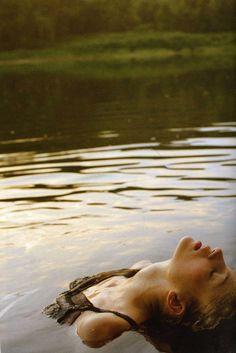 My Bohemian Lifestyle whatannaloves: david vasiljevic Anna Love, Foto Portrait, Bohemian Lifestyle, Pics Art, Solitude, Underwater, The Dreamers, Art Photography, Relax