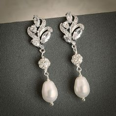BERENICE Vintage Style Bridal Earrings Silver par GlamorousBijoux