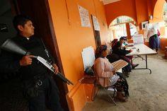 Längst hat das mafiöse Netz Politik und Justiz des Landes unterlaufen. Die Wahlen sind regelmäßig von Gewalt überschattet.