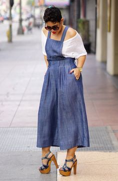 Spring into Style This Year – Best Spring Outfits – Designer Fashion Tips Fashion 101, Girl Fashion, Fashion Looks, Womens Fashion, Ladies Fashion, Spring Fashion, Classy Outfits For Women, Cute Outfits, Clothes For Women