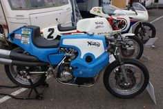 "The cafe racer thread has sorta peaked but there's still many old ""full race"" bikes I never tire of ogling so. British Motorcycles, Old Motorcycles, Norton Cafe Racer, Cool Bikes, Motorbikes, Inventions, Race Cars, Scrap, Racing"