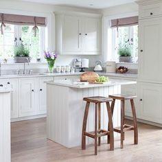 Resultado de imagem para  ilha para cozinha feita com mesa antiga