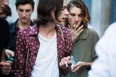 Utmönstring på skjorta och styling.  Street looks Fashion Week homme printemps ete 2016 paris