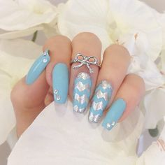 ✨My nails for this week✨ Unhas dessa semana! #chevronnails #trend