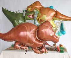 +700円でメッセージバルーンが付けられます★。あす楽! 【送料無料】トリケラトプス バルーン 恐竜 ドラゴン ダイナソー 【浮かせてお届け】 ヘリウムガス入り 男の子が喜ぶ お祝い 誕生日 バースデイ パーティー 風船 ディスプレイ レセプション 装飾 リトルレモネード
