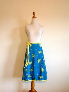 $25 Reversible Novelty Frog Print Skirt  Vintage by AtticFlowers