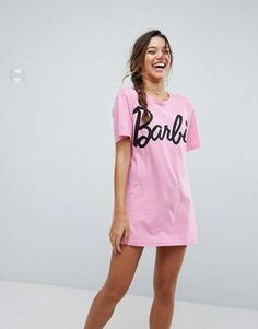Buy ASOS Barbie Logo Sleep Tee at ASOS. Get the latest trends with ASOS now. Cute Pjs, Cute Pajamas, Girls Pajamas, Cute Sleepwear, Lingerie Sleepwear, Nightwear, Lingerie Underwear, Pajama Outfits, Cute Outfits