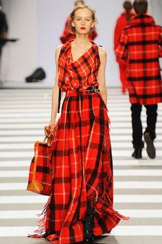Red tartan dress #plaid #tartan #fashion #Sewcratic
