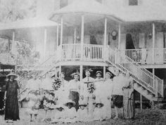 The hotel in Mataiea, Brooke is second from right and Taatamata is on the far left Rupert Brooke, Bloomsbury Group, Most Handsome Men, South Seas, Poet, England, History, Historia, English