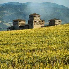 Torrechiara | MyTurismoER: Parma attraverso lo sguardo fotografico di @Silvia Del Barrio Gorines