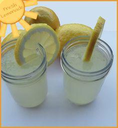 My favorite summer drink: Lemonade / Strawberry Lemonade Fresh Squeezed Lemonade, Strawberry Lemonade, Summer Drinks, Fun Drinks, Summer Fun, Pool Drinks, Beverages, Vegan Snacks, Snack Recipes