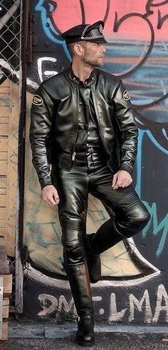Leather Hot: Photo
