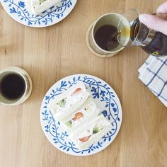 \スタッフの愛用品/ 「ペルゴラの器は、結婚1周年記念に買った器であり、北欧食器デビューの器です。 21センチプレートは毎朝の食卓で出てくるほど使いやすさも◎」(バイヤー竹内) #北欧暮らしの道具店 #北欧 #Rorstrand #ロールストランド #Pergola #ペルゴラ #食器