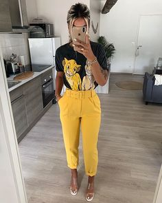 Discover recipes, home ideas, style inspiration and other ideas to try. Mode Outfits, Stylish Outfits, Fashion Outfits, Womens Fashion, Fashion Clothes, Simple Outfits, Summer Outfits, Work Attire, Look Fashion