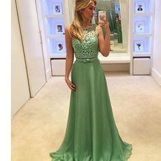 """ea0ea036865ab Mother of The Bride 💞 on Instagram  """"E do ig  inspiredresses vem este  lindo vestido de festa de Isabella Narchi num belo tom de verde . Perfeito  para ..."""