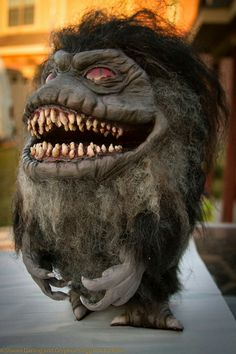 Replica Critter commissioned from www.gryphonseggproductions.com. Private commissions at gryphonsegg@gmail.com #critter #movieprop #monster #custommade #halloween