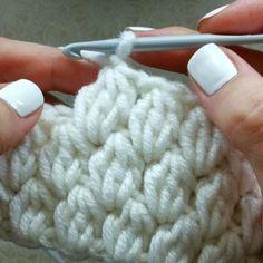 Você que Ama Crochê Aumente sua Renda em Até por Mês com Este Curso! Crochet Bag Tutorials, Crochet Instructions, Crochet Videos, Crochet For Beginners, Crochet Basket Pattern, Crochet Stitches Patterns, Knitting Patterns, Hat Patterns, Loom Knitting