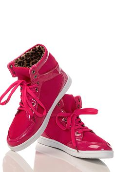 797c7794e1f Sneakers  2dayslook  Sneakers  fashion  nice  new www.2dayslook.
