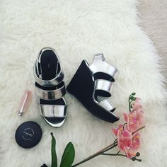 NWOB wedges Metallic silver Forever 21 Shoes Sandals