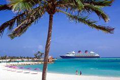 'Disney Magic' moored in Paradise