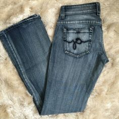 """💜CLEAR OUT• GUESS • Boot Cut Jeans Gently used - excellent condition. Smoke free home. Inseam approx 32"""". There is a small spot of discoloration on the lower back of one leg (see third pic). Almost impossible to see when worn (or even in the pic). 97% cotton - 3% spandex. No trades/holds. Guess Pants Boot Cut & Flare"""