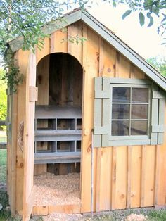 Awesome chicken coop!! (This might be nice for the rabbits with hutch inside?)
