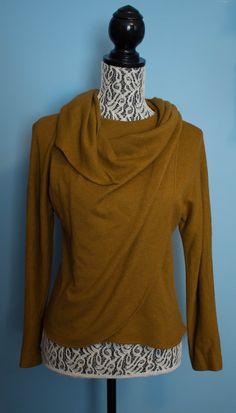 **SOLD** Vintage Bergdorf Goodman/ Anne Klein Sweater by JenuineCollection on Etsy #bergdorfgoodman #sweater #vintage #vintagesweater #vintagefashion #vintageclothes #anneklein
