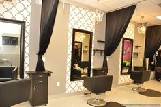 Styling stations curtains and background of mirrors
