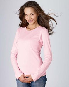 Keep the temperature on the rise with this long-sleeve thermal that looks too good to feel so fantastic. Features mini waffle thermal, it is made of 4.5-ounce, 40-single 55% combed and ring-spun cotton/45% polyester.