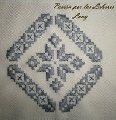 Hand Embroidery Design Patterns, Star Patterns, Hardanger Embroidery, Flower Images, Plastic Canvas, Handicraft, Pattern Design, Initials, Diy And Crafts