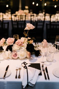10 Hottest Wedding Color Combos You'll Love for 2020 – wedtrendy Long Table Wedding, Wedding Table Settings, Fall Wedding, Dream Wedding, Wedding Reception, Wedding Themes, Wedding Designs, Wedding Colors, Wedding Events
