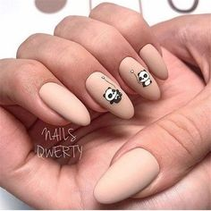 False nails have the advantage of offering a manicure worthy of the most advanced backstage and to hold longer than a simple nail polish. The problem is how to remove them without damaging your nails. Aycrlic Nails, Nail Manicure, Nail Polish, Stylish Nails, Trendy Nails, Panda Nail Art, Nagellack Trends, Best Acrylic Nails, Nagel Gel